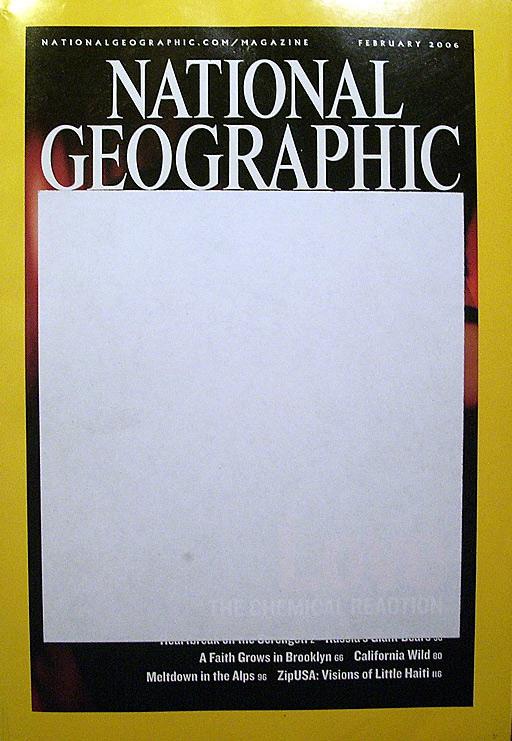 Ein von den iranischen Behörden im Februar 2006 zensiertes Exemplar des Magazins National Geographic. Das vom weißen Aufkleber verdeckte Titelfoto zeigt ein sich umarmendes Paar.
