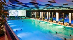 Das Flair der frühen Siebziger prägt das Bad Nauheimer Thermalbad. Silvester 2015 soll es für mindestens zwei Jahre schließen Foto: Stadt Bad Nauheim